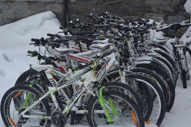 flam-railway-myrdal-bikes-snow