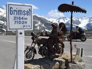 Atravessando os Alpes Suíços pelo Grimsel Pass
