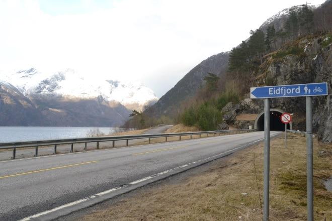 eidfjord-road-2