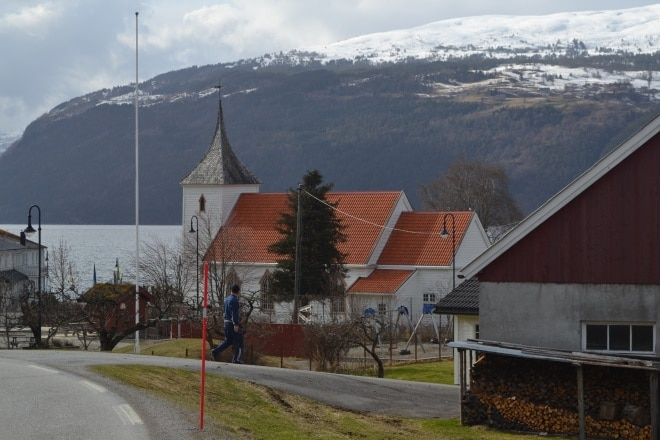 fh-utvik-kirke