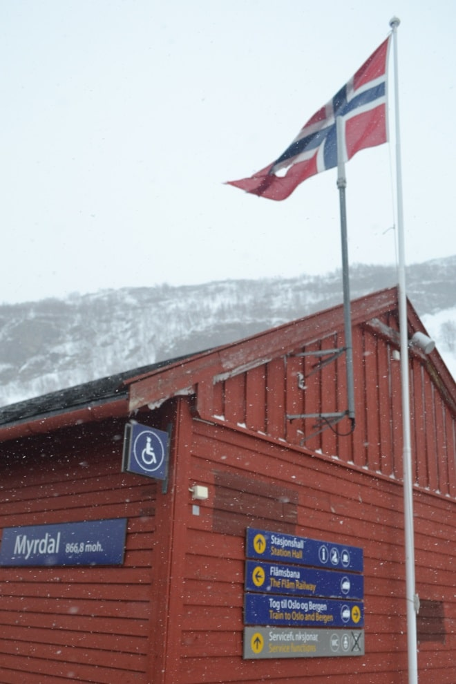 flam-railway-myrdal-station-snow