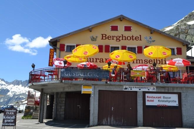 grimsel-pass-Berghotel-kristallgrotte