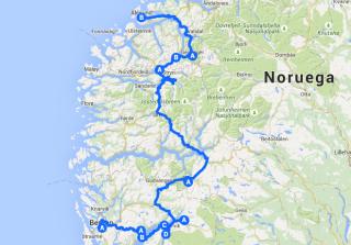 De carro pelos Fiordes da Noruega