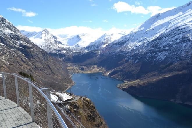 geirangerfjord-from-rv63-Trollstigen-ornesvingen-1